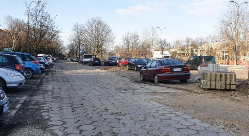 Parking przy Rosoła idzie do remontu